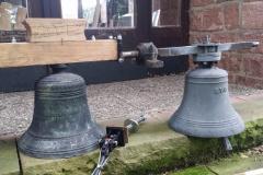 Neue und alte Glocke